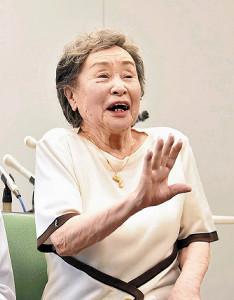 「死は考えもせず」感染から回復した100歳女性、ワクチン接種後は「世界に飛び立ちたい」
