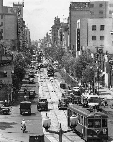 1956年の銀座の街並み