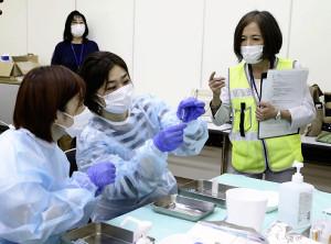 ワクチン接種会場、看護師らが抜き打ちで検査…区が温度管理など確認