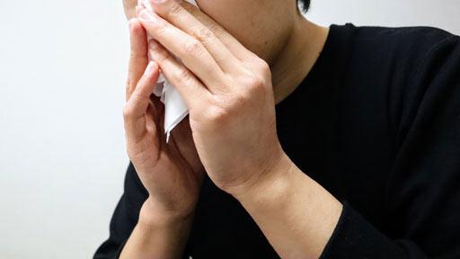 粘り気強い鼻水が…治療難しい好酸球性副鼻腔炎 鼻茸切除とステロイドで症状コントロール