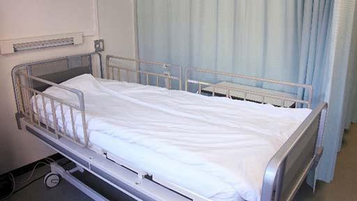 新型コロナ 国や自治体は医療機関ごとの入院患者数、病床利用率などのデータ公表を