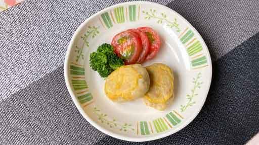 サトイモとシューマイのピカタ…市販品を使った調理がメインになることも