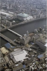 Q71 昭和60年に完成した、日本の「国技」の聖地は?