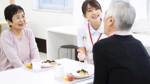 介護施設の食費・部屋代 基準変更で一部は負担増…親子「世帯分離」で軽減できる場合も