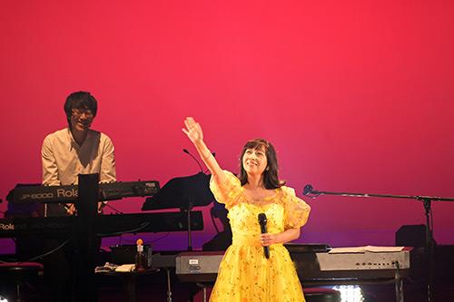 [シンガーソングライター 岡村孝子さん]白血病から回復して2年9か月ぶり復帰コンサート……「もう、ダメかもしれない」と思ったことも