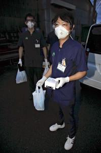 自宅での「抗体カクテル療法」、大阪府の30代女性に全国初の往診で実施