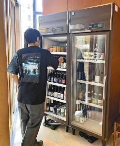こだわりのビールや豆皿…アパレル各社、食材や雑貨の品ぞろえ強化