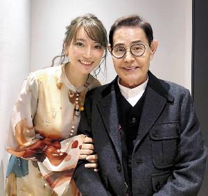 「遺産狙う女」から「良い奥さんもらった」へ…加藤茶さんの妻・綾菜さん、別人のように穏やかな表情