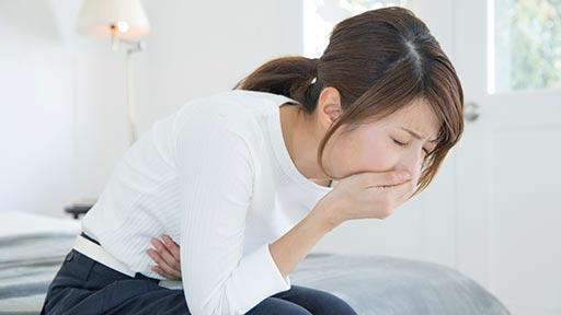 大人もかかる虫垂炎 みぞおちの痛み「食べ過ぎ」と勘違い…放置して悪化、腹膜炎も