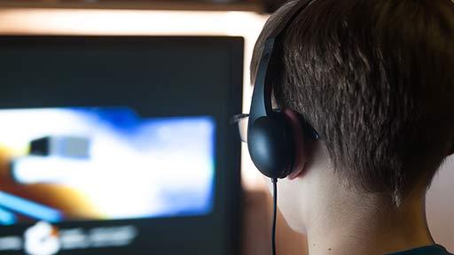 コロナ禍でネット依存、ゲーム障害が増加