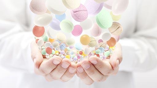 薬のアレルギーで皮膚に赤いぽつぽつ…10種服用の女性、原因はどれ?