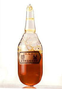 碧素 昭和19年(1944)碧素は敗血症や肺炎などによく効いたため、生産当初は薬剤の色から「黄色の魔術」と呼ばれたこともあったという。